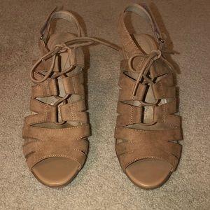 Tan, suede sandal/heels